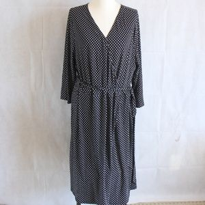 AVa & Viv Plus 3X 4X Black White Dot Dress Overlay